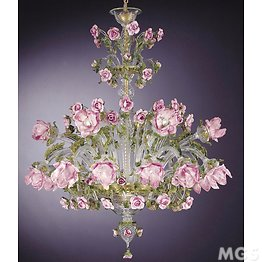 Chandelier with flowers in pink glass paste at eighteen lights